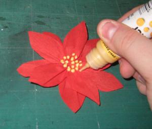 Blütenstempel anbringen